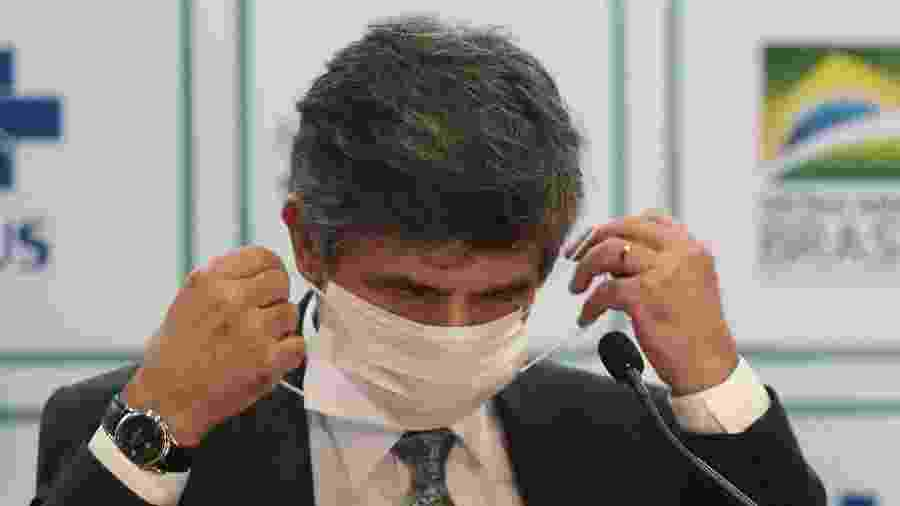 15.mai.2020 - O ex-ministro da Saúde, Nelson Teich, durante pronunciamento sobre seu pedido de demissão - Gabriela Biló/Estadão Conteúdo