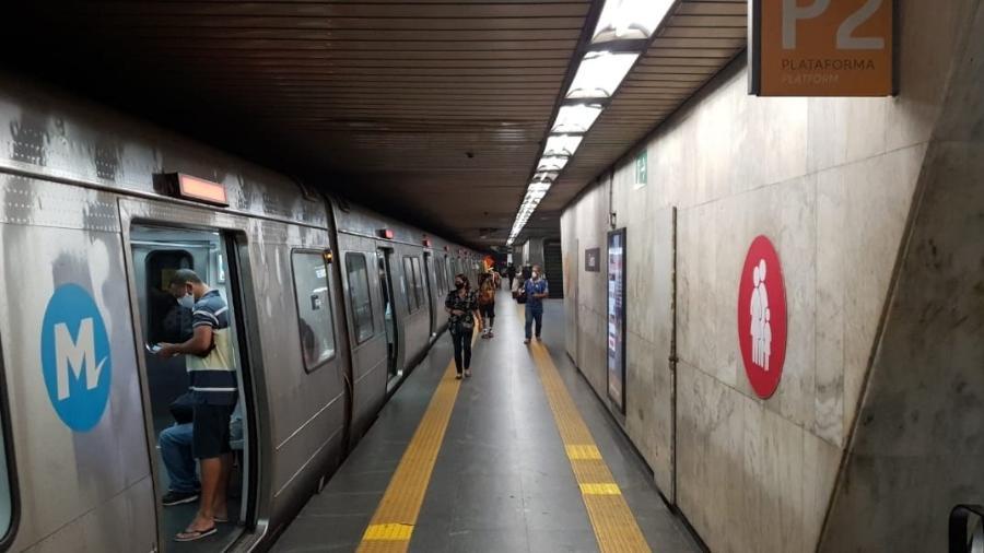 Problema foi entre as estações Central do Brasil e Presidente Vargas - Caio Blois/UOL