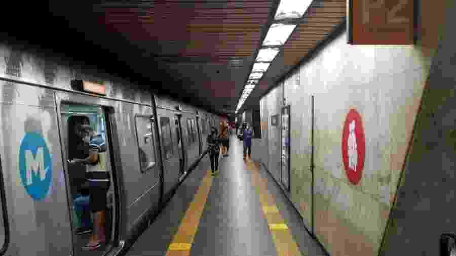 10.jun.2020 - Metrô tem circulação inconstante em flexibilização de isolamento social no Rio - Caio Blois/UOL