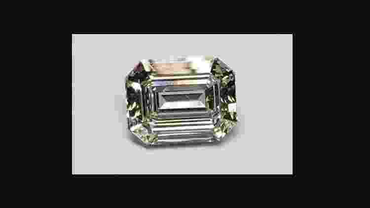 Pedra de diamante com 4.57 quilates que vai a leilão; item pertencia ao ex-governador Sérgio Cabral (MDB) - Reprodução/De Paula Leilões - Reprodução/De Paula Leilões