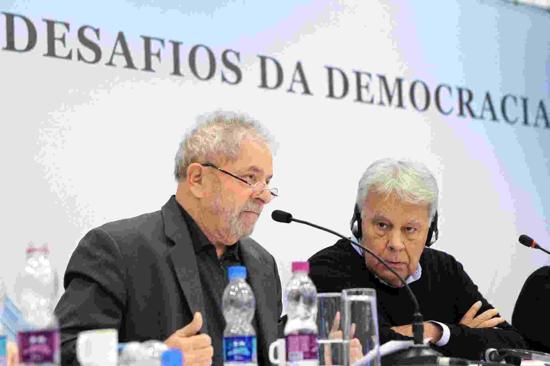 """22.jun.2015 - Lula realiza a conferência """"Novos desafios da democracia"""", seguida de debate com o ex-presidente da Espanha, Felipe González - Heinrich Aikawa/Instituto Lula"""