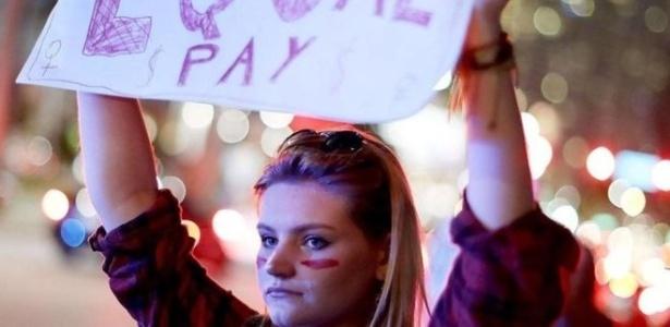 Mesmo salário entre os gêneros pelo mesmo trabalho é uma antiga bandeira feminista