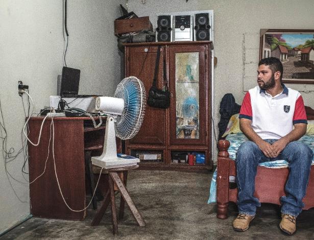 Junior Martínez, 28, planeja deixar a Venezuela depois de trabalhar na indústria de petróleo do país por oito anos