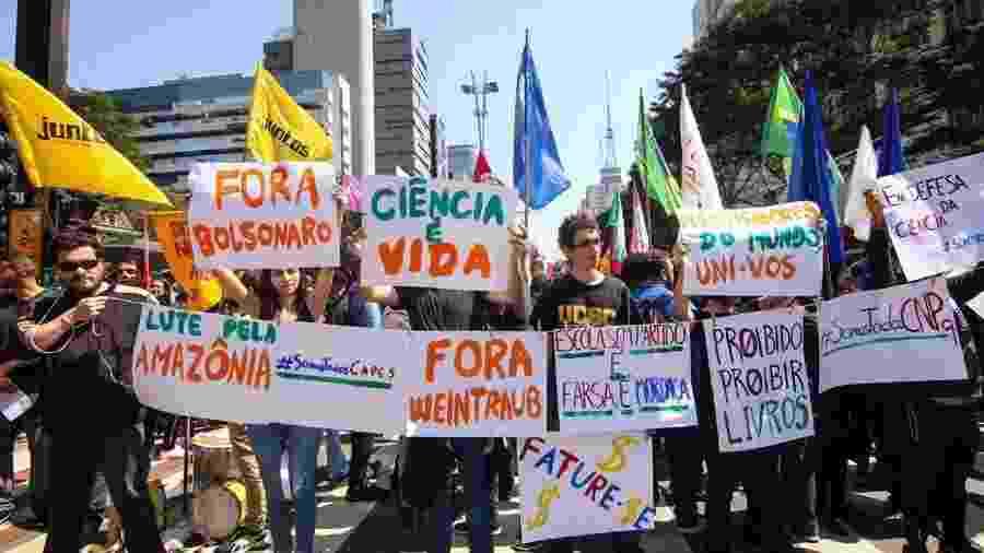 Protesto contra bloqueios no orçamento da Educação, em São Paulo, em setembro deste ano - Reprodução/Twitter
