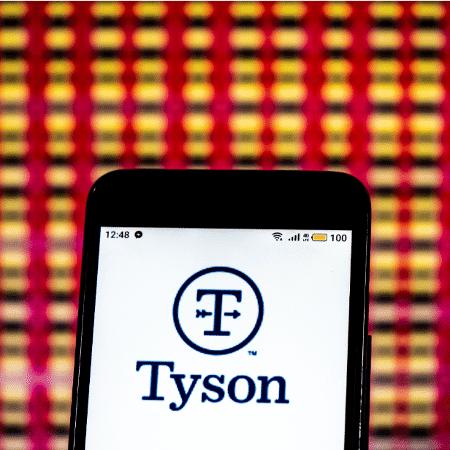 Logo da Tyson Foods - Igor Golovniov/SOPA Images/LightRocket via Getty Images