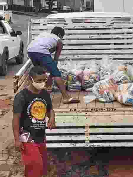 Cestas básicas coletadas pela Federação das Organizações Indígenas do Rio Negro para distribuição nas comunidades - FOIRN - FOIRN