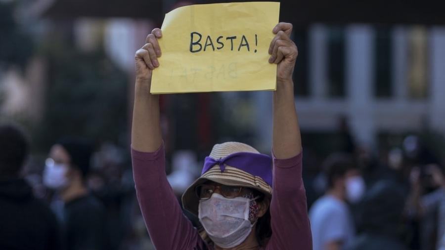 Manifestante na Avenida Paulista no último dia 31; grupos querem repetir atos contra Bolsonaro e racismo neste domingo (7) - Miguel Schincariol/Getty Images