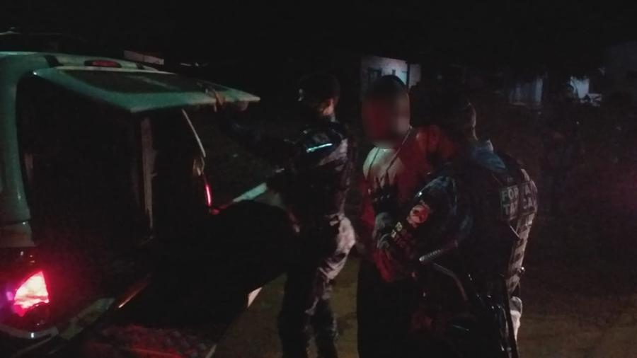 Ação da PM que prendeu três pessoas suspeitas de tentar matar agente penitenciário a mando do PCC - Divulgação/PM-RO