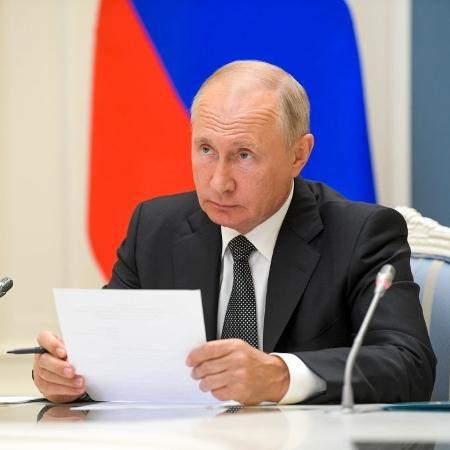 """Arquivo - O presidente russo convidou a população a """"seguir seu exemplo""""  - Alexei Druzhinin/TASS via Getty Images"""