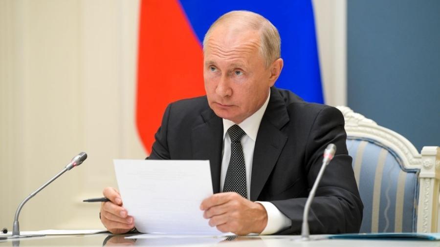 País do presidente Vladimir Putin decidiu retirar tropas da fronteira ucraniana e também na Crimeia anexada - Alexei Druzhinin/TASS via Getty Images