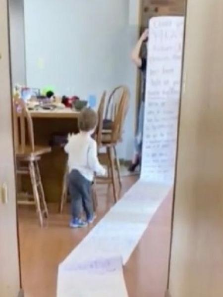 Mulher recebeu carta de uma vizinha que a acusa de ter pegado os brinquedos de sua filha - Reprodução/Reddit/Raedives91