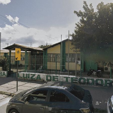 Fachada da escola Escola Professora Luiza de Teodoro Vieira, em Pacatuba (CE) - Reprodução/Google