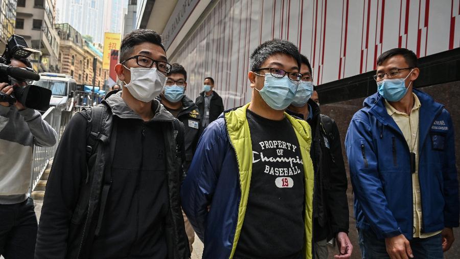 6.jan.2021 - Ben Chung, de um grupo político pró-democracia, é uma das cerca de 50 pessoas da oposição presas em Hong Kong - Peter Parks/AFP