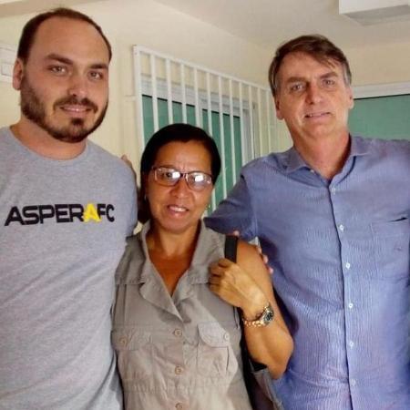 Wal do Açaí com Carlos Bolsonaro e Jair Bolsonaro  - Reprodução/Redes sociais