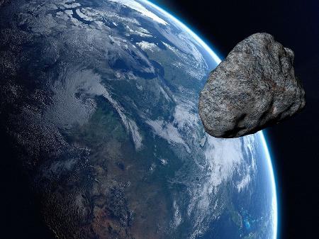 Asteroide maior que a Torre Eiffel passará perto da Terra