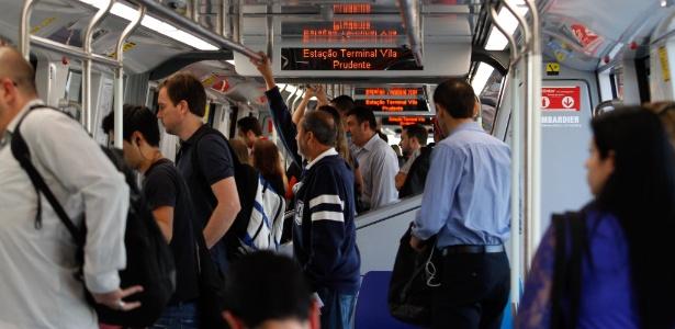 Média diária de pessoas pelo metrô caiu de 4,46 milhões para 4,37 milhões - Almeida Rocha - 15.set.2011/Folhapress