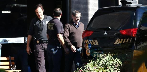 Ex-assessor de Michel Temer e ex-deputado federal, Rodrigo Rocha Loures (à dir.) deixa Polícia Federal em Brasília: ele estava preso desde o início de junho após ser gravado com mala de dinheiro da JBS
