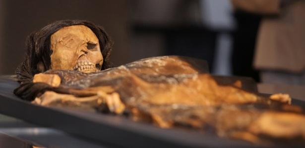 Réplica da múmia da Senhora de Cao apresentada em Lima