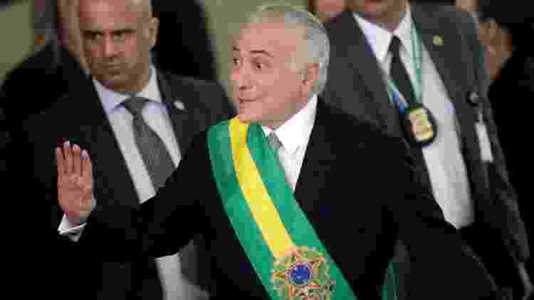 Antecessor de Bolsonaro no Planalto, Michel Temer (MDB) momentos antes de passar a faixa presidencial em 1º de janeiro de 2019 - Ueslei Marcelino/Reuters - Ueslei Marcelino/Reuters