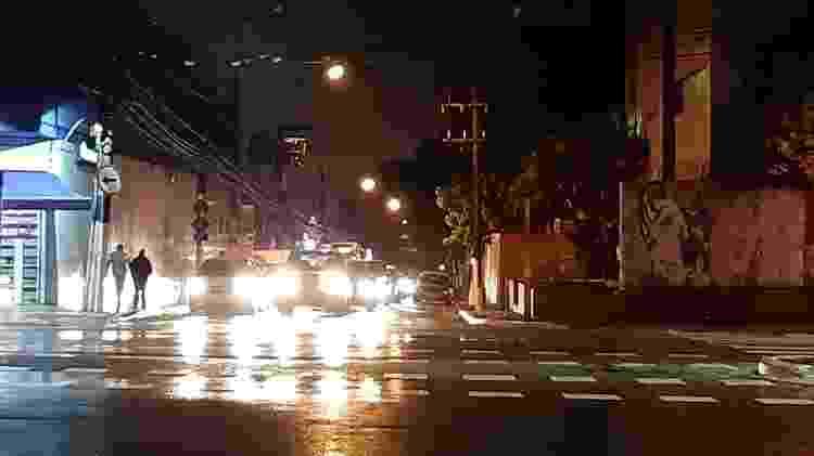Samsung Galaxy A7: foto noturna com luz estourada - UOL - UOL