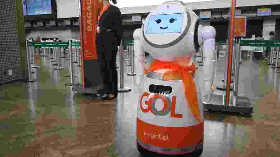 Robô da companhia aérea Gol ainda está em fase de testes no aeroporto de Guarulhos - Vinícius Casagrande/UOL