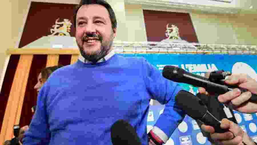 27.jan.2020 - Matteo Salvini, líder da extrema direita italiana, participa de coletiva de imprensa em Bolonha sobre as eleições regionais - Miguel Medina/AFP)