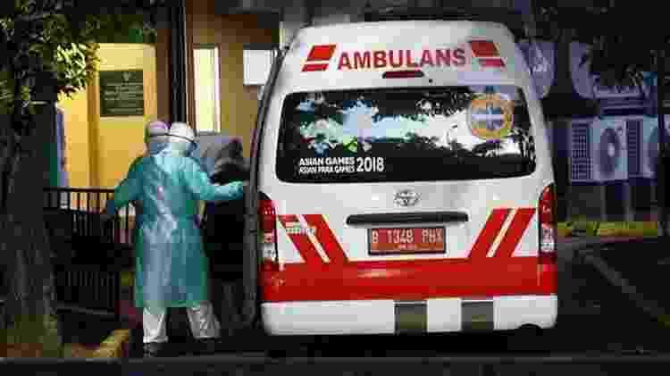 Ambulância em Jacarta - Getty Images - Getty Images