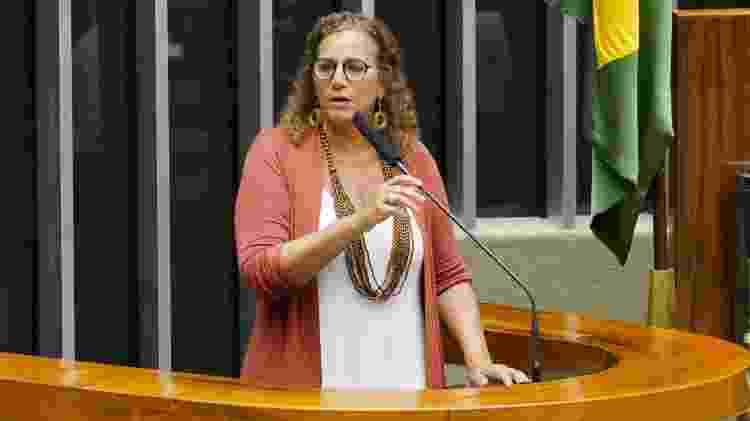 A deputada Jandira Feghali (PCdoB-RJ) durante sessão deliberativa na Câmara - Pablo Valadares/Câmara dos Deputados - Pablo Valadares/Câmara dos Deputados