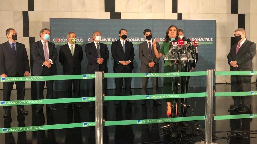 Parlamentares que integram a Frente Parlamentar da Reforma Administrativa reunidos com Rodrigo Maia e o ministro Paulo Guedes - Luciana Amaral/UOL