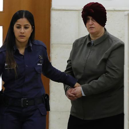 27.fev.2018 - Malka Leifer, ex-diretora de um colégio judeu ultra-ortodoxo, é acusada de abusar sexualmente de várias alunas - Ahmad Gharabli/AFP