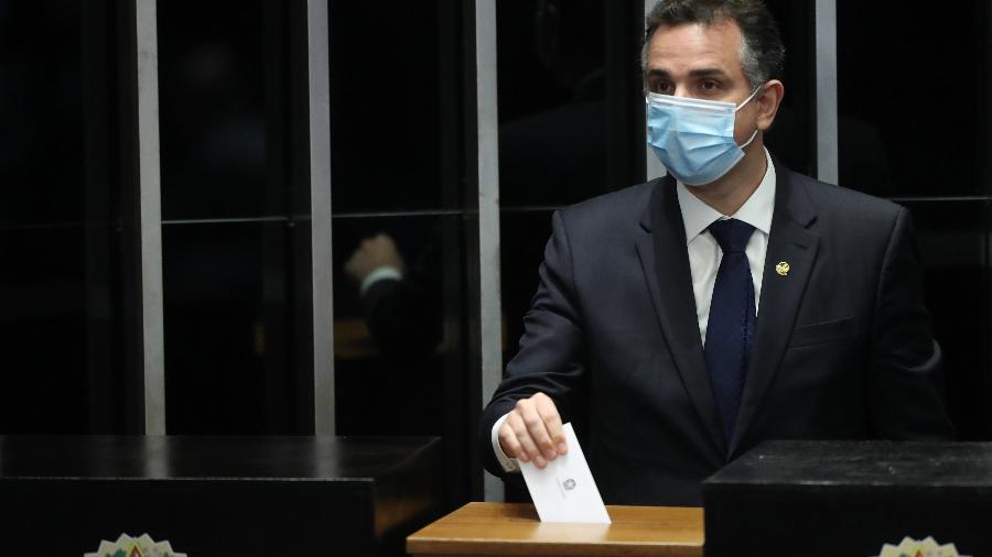 Rodrigo Pacheco (DEM-MG) disse que começou conversas com Paulo Guedes sobre auxílio - GABRIELA BILÓ/ESTADÃO CONTEÚDO