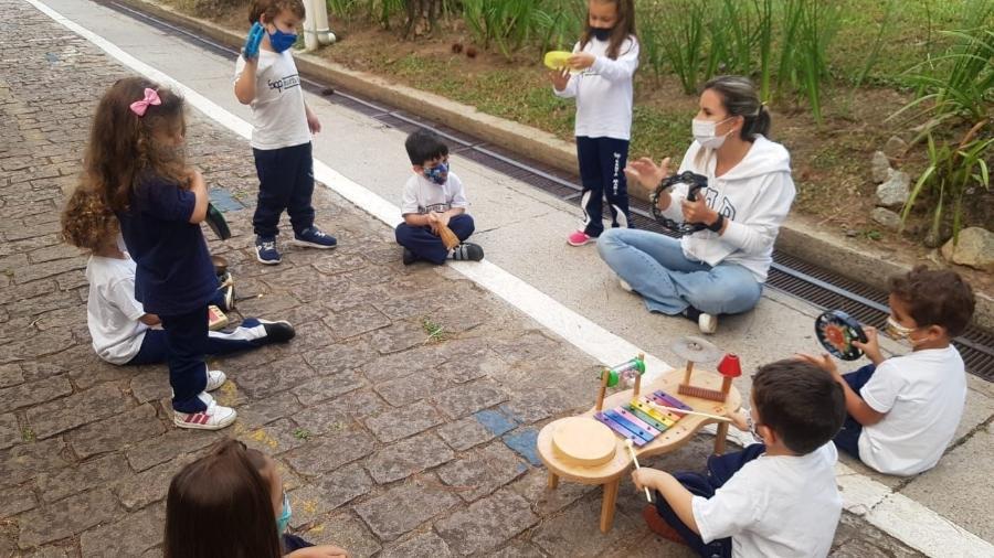 Crianças da educação infantil brincam em área externa do Colégio Santa Maria - Divulgação/Colégio Santa Maria