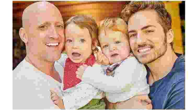Paulo Gustavo e Thales Bretas, seu marido, ao lado dos filhos Romeo e Gael - Reprodução/Instagram - Reprodução/Instagram