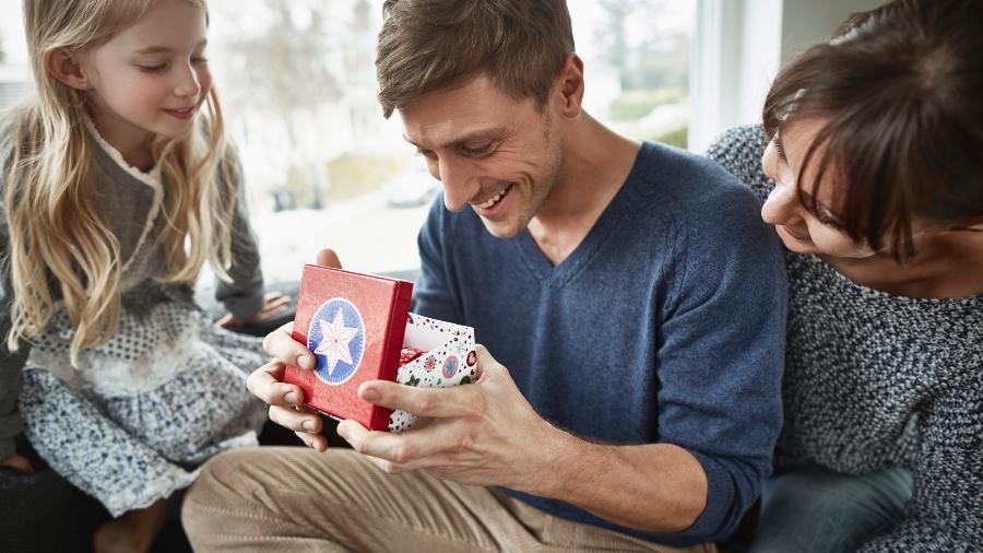 O dia dois pais acontece no dia 8 de agosto; veja sugestões de presentes - Getty Images