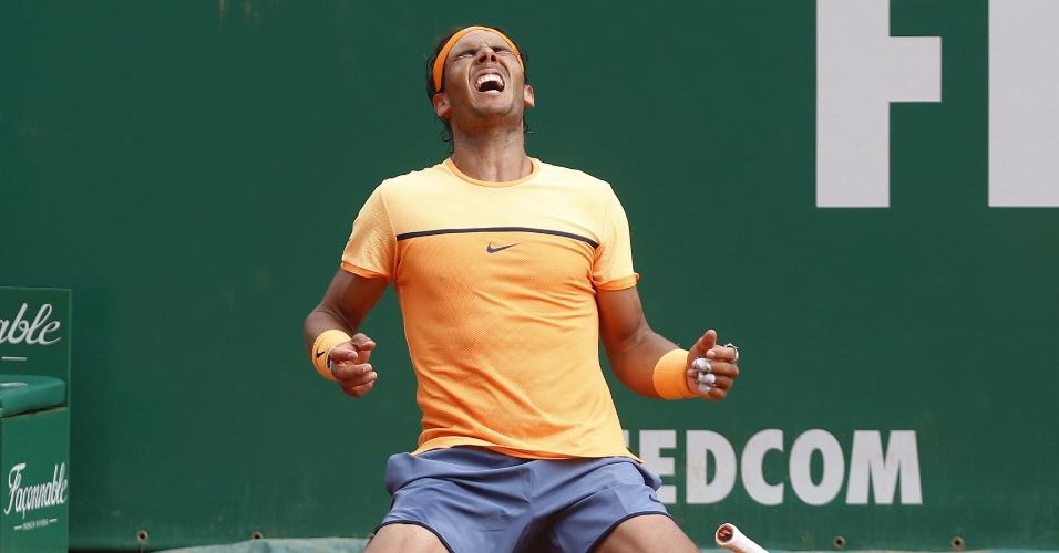 17.abr.2016 - Tenista espanhol Rafael Nadal bate o francês Gael Monfils por 2 sets a 1 (parciais de 7/5 5/7 6/0) na final de Monte Carlo e volta a conquistar um título de nível Masters 1000 após quase dois anos