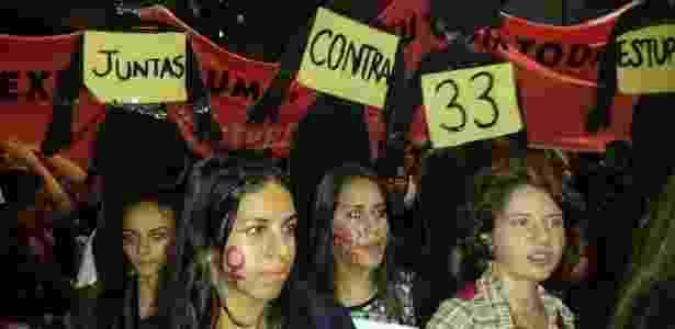 """Manifestantes participam do ato """"Por todas Elas"""", contra a cultura do estupro e a violência praticada contra as mulheres - Guilherme Azevedo/ UOL"""