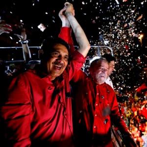 João Paulo, candidato derrotado a prefeito do Recife, fez carreata ao lado do ex-presidente Lula durante a campanha