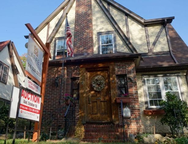 Fachada da casa onde Donald Trump passou a infância, no Queens (Nova York) - William Edwards/AFP Photo