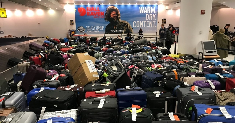 Malas no terminal 4 do aeroporto JFK, em Nova York