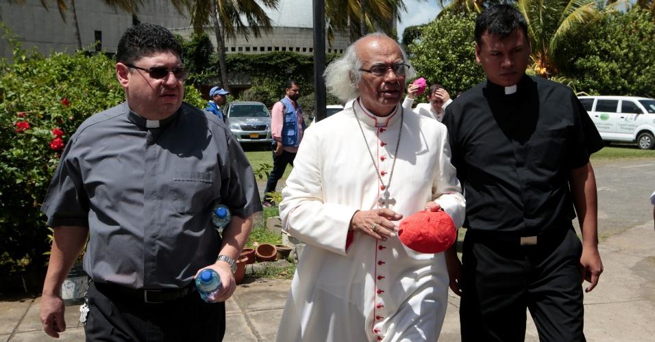 14.jul.18 - O cardeal Leopoldo Brenes chega para coletiva de imprensa em Manágua; bispos convocaram greve de fome para sexta-feira (20) em resposta à violência do último final de semana