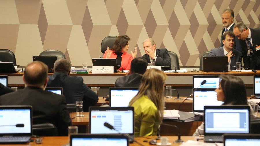4.set.2019 - Comissão de Constituição e Justiça do Senado durante leitura do relatório da reforma da Previdência  - Fátima Meira/Futura Press/Estadão Conteúdo