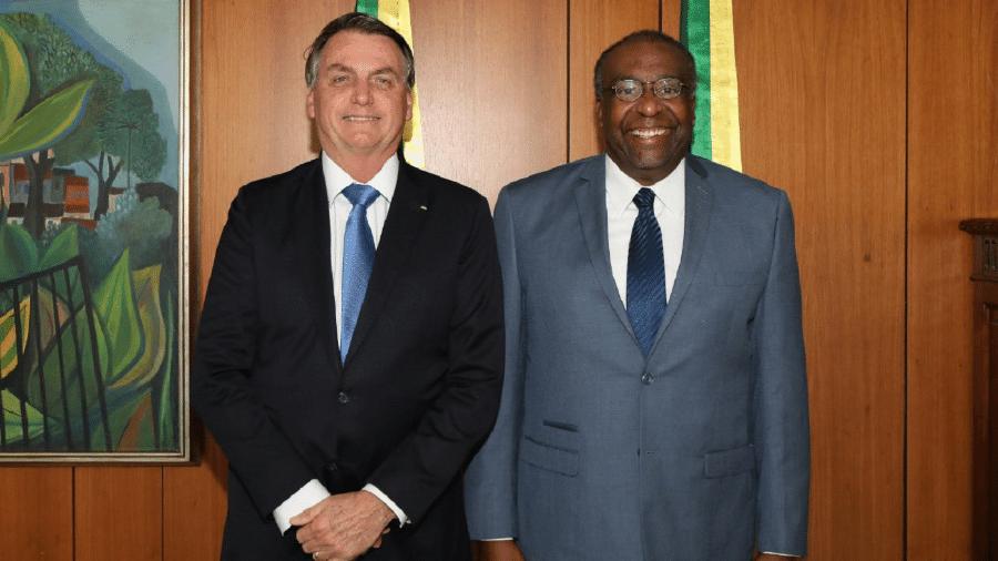 O presidente Jair Bolsonaro e o ministro da Educação Carlos Alberto Decotelli - Marcos Corrêa/PR