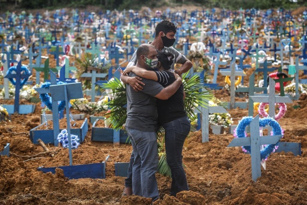 Novos casos de covid-19 em Manaus não são 2ª onda, diz pesquisador -  29/09/2020 - UOL Notícias