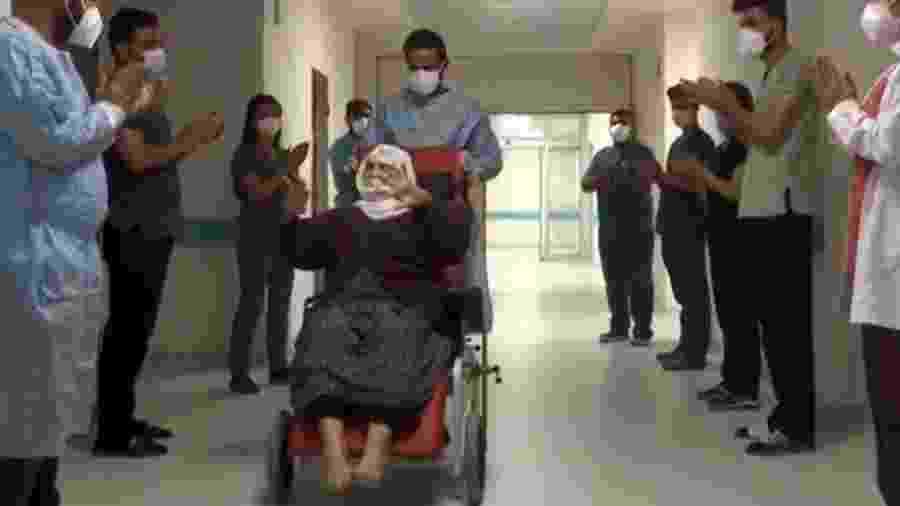 Menica Encu, idosa de 120 anos que se recuperou da covid-19 na Turquia - Reprodução