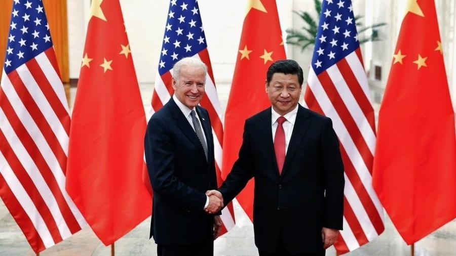 As comparações feitas com a Guerra Fria, entre os EUA e a União Soviética, não contam toda a história; acima, Joe Biden e Xi Jinping em foto de arquivo - Reuters
