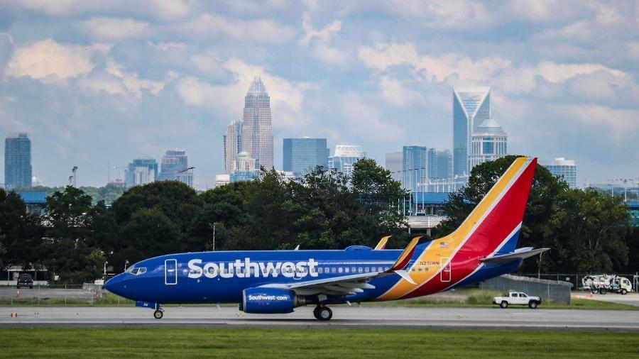 A Southwest Airlines insistiu que o item é obrigatório por lei e ofereceu hotel para a família pernoitar - Reprodução/Southwest Airlines