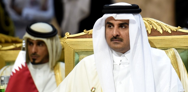O emir do Qatar, o xeque Tamim bin Hamad al-Thani, é o dono do PSG