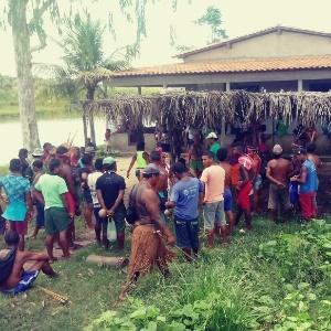 Índios gamela reunidos em Viana (MA)