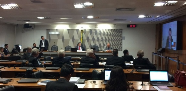 30.nov.2017 - CPI da JBS ouve, por videoconferência, o ex-advogado da Odebrecht Tacla Durán