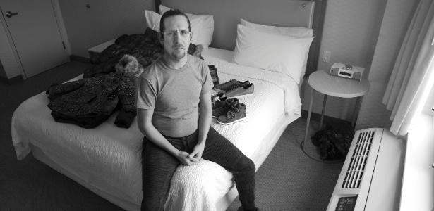27.jan.2018 - Rafael Ocasio, que era um líder comunitário em Porto Rico, em seu quarto de hotel no Queens, em Nova York